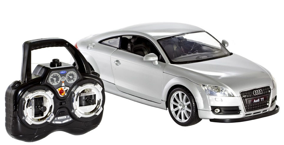 Модель машины 1:12 AUDI TT на радиоуправлении + батарейки в подарок