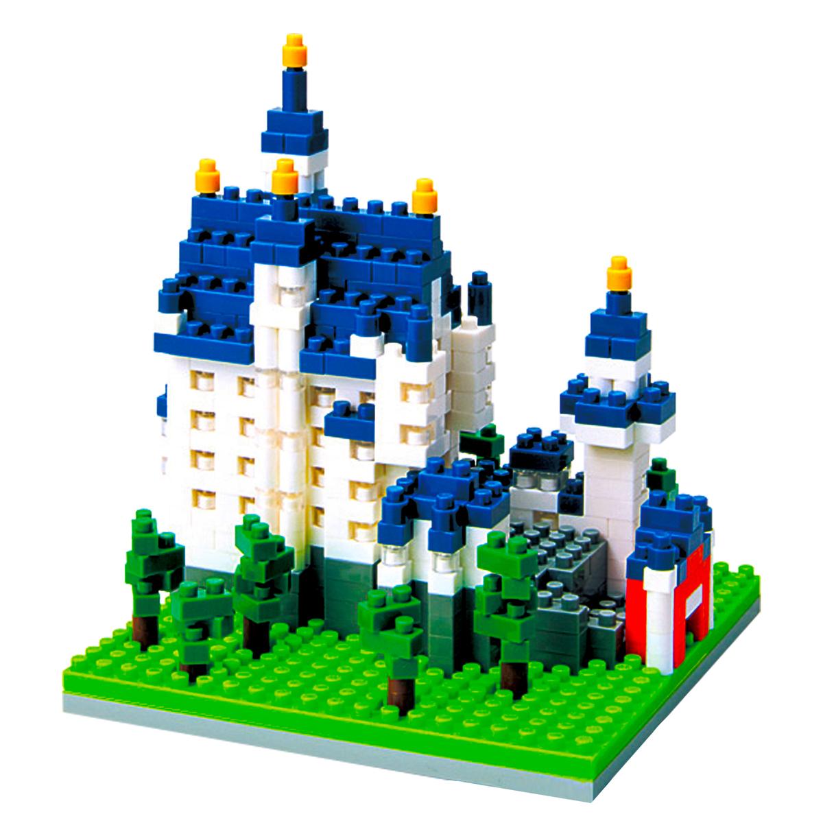 Как сделать из большого конструктора замок